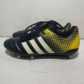 Sepatu bola ADIDAS size 46 pol msh lengkap