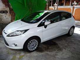 Dijual Ford Fiesta 2011 Matic asbali mulus TT
