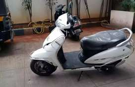 Activa 4g white colour excellent condition