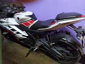 Urgent Sale Yamaha R15 Want to buy call on my no