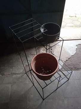 Ready / baru rak pot besi tanaman bunga model kotak