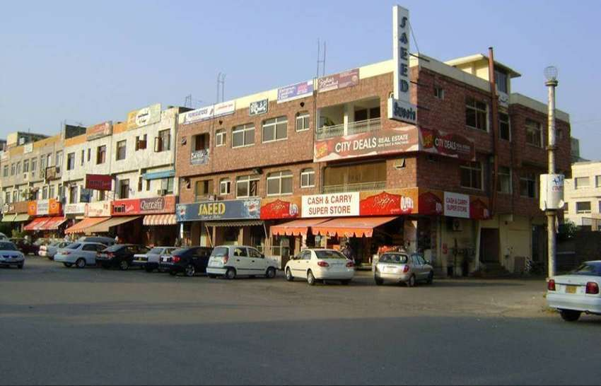 plaza for sale in F-8 markaz  Islamabad 0