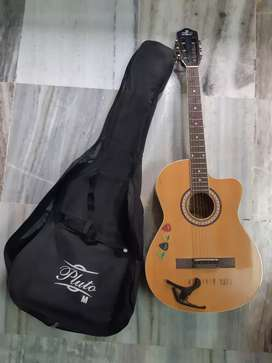 ACOUSTIC GUITAR PLUTO (medium size) with cover, capo, and picks