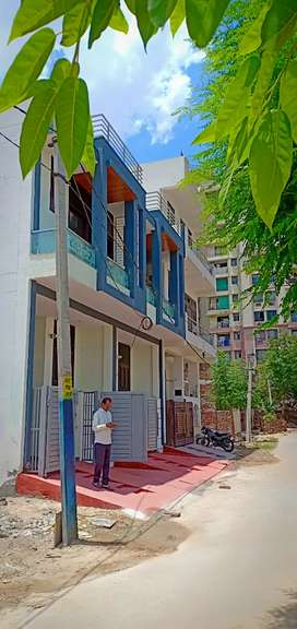 3 bhk luxurious villa in gandhipath west near rangol garden,