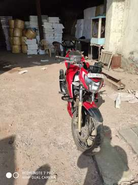 NOTICE THIS ADD  OF APACHE RTR 200 .I WANT TO SELL
