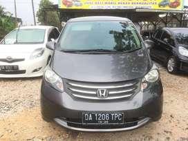 Honda Freed E PSD Metic Tahun 2010 Istimewa Siap Pakai