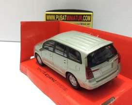 Toyota kijang innova (CREAM), SKALA 136 - WELLY NEX