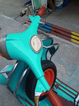Vespa Super INT 150 CC THN 1965 Warna biru