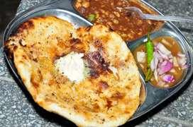 Amritsari kulche chole banane ke liye Karigarh ki jaroorut hai