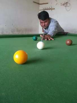 Snooker table full set just like new big size