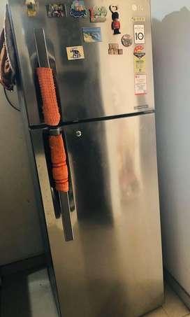 4star 335 ltr double door LG fridge in excellent condition