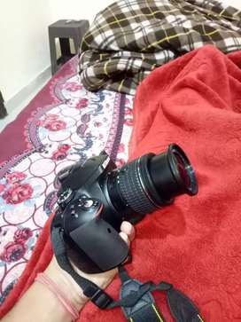 nikon d5300 with 18-55 lense , 64 gb memory card and bag also