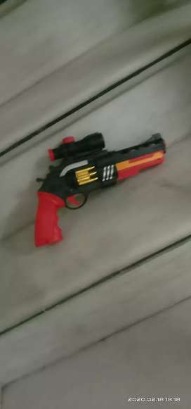 I am selling a gun . Which can shoot darts and orbies . Please bye