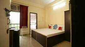 1 RK A.C rooms  (couple's friendly)