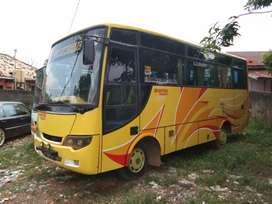 Bus Pariwisata ISUZU NKR 71