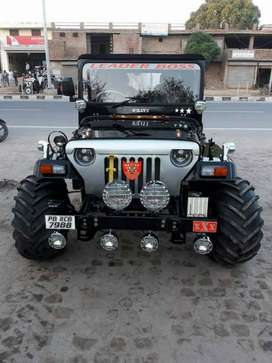 Black open hunter jeep
