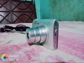 Nikon coolpix camera A300 20xoptical zoom  WiFi Bluetooth connectivity
