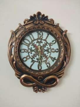 Brown Designer Antique Wall Clock.