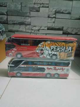 Miniatur bus Persija dan harapan jaya