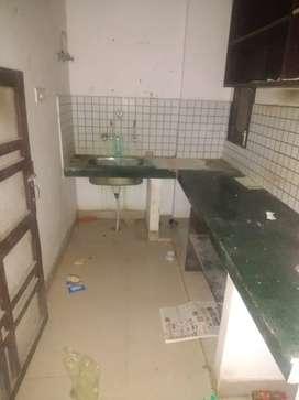 1bhk  flat in aliganj puraniya chaurha fully independent