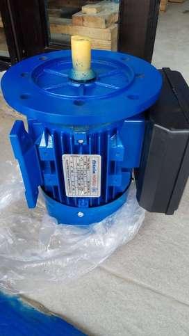 ELECTRIC MOTORS / DINAMO 2P 5,5HP 4KW B5 3PHASEFrame : 112