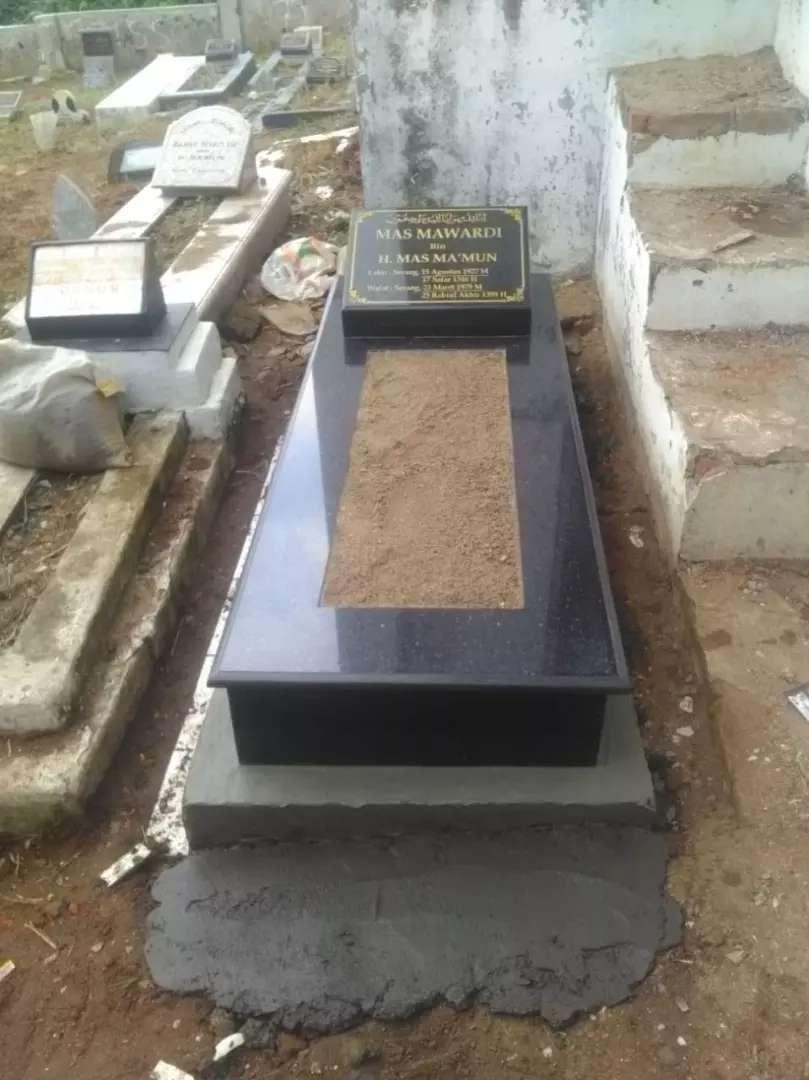 Batu Nisan Murah Berkualitas GRATIS KIRIM PASANG ke Makam Kuburan 0