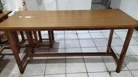 Meja kayu serbaguna
