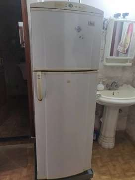 Whirlpool Double Door fridge