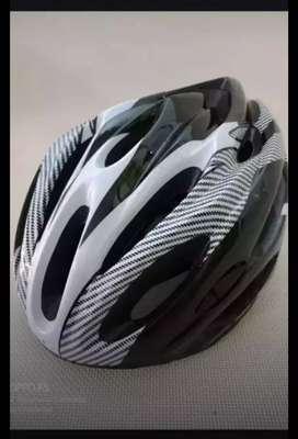 Helm sepeda sporty