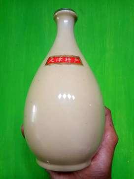 Porcelain, cream, T 19cm