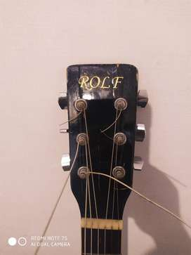 Rolf JUMBO guitar gud condition new string