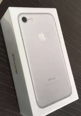 Apple iphone 7  colour silver .. 32 gb , 4 month old..
