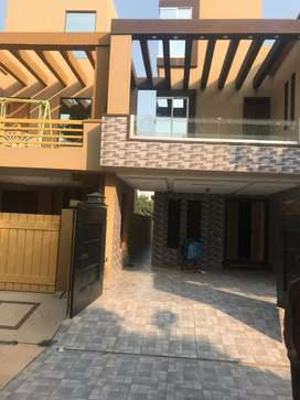 5marla portion for rent in Bahria town lhr