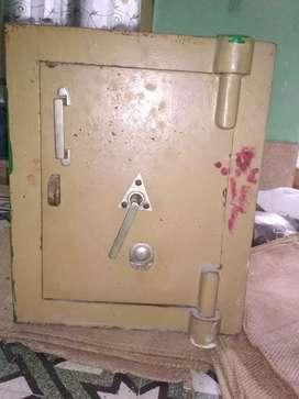 Iron Ark ( lohar sinduk) rupee 7000