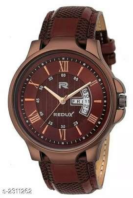 Trendy men's analog watch
