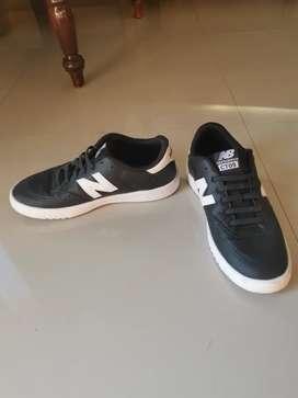 sepatu newbalance like new
