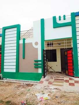एक बेडरुम हाल किचन का मकान रावतपुरा कॉलोनी में बेचना है।