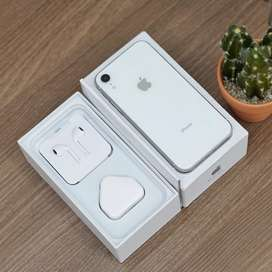 Apple iPhone XR 64 Gb White Fullset