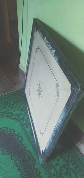 I want to sell my carrom board and WiFi router