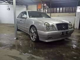 mercedes benz E230 classic th 1997