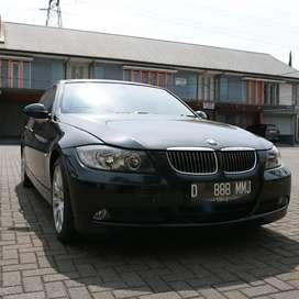 JUAL BMW 320i BLACK TAHUN 2008. MULUS KINYIS2