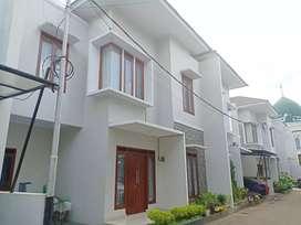 Rumah indent 11 unit dalam cluster bagus dekat kahfi 2jagakarsa jaksel