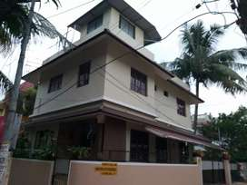 2bhk 1st floor house for rent