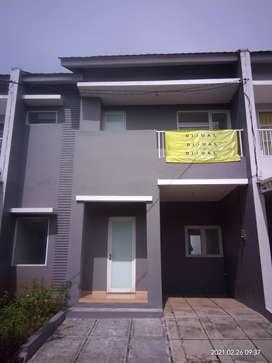 HOME FOR SALE HUNIAN MEWAH DAERAH PAMULANG LT 92 LB 60 KT 2 KM 2