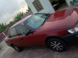 Toyota corolla xe B2B genuine 200 0  model