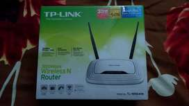 TP-LINK 300 Mbps Wi-Fi Router