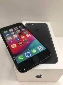 I PHONE 7 BLACK BOX EXCELLENT CONDITON