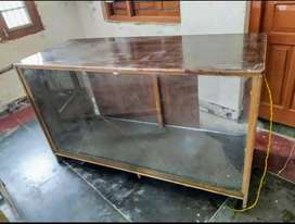 Showcase counter with glass
