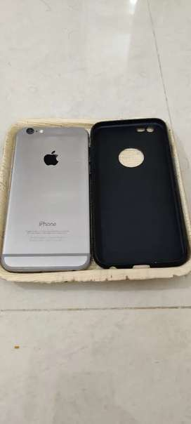 iPhone 16GB with cover and charger.