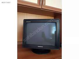 Samsung Syncmaster 17 inch monitor in best condition